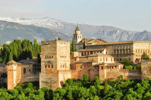 Alhambra w Granadzie zwiedzanie
